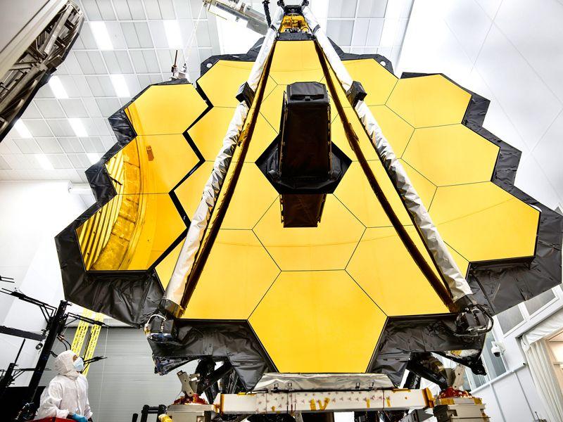 NASA'nın 10 milyar dolar değerinde olan James Webb uzay teleskobunun fırlatılışı 2021'e ertelendi